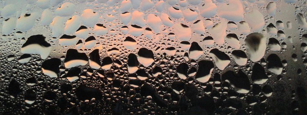 nawiewniki okienne - sposób na zaparowane okna